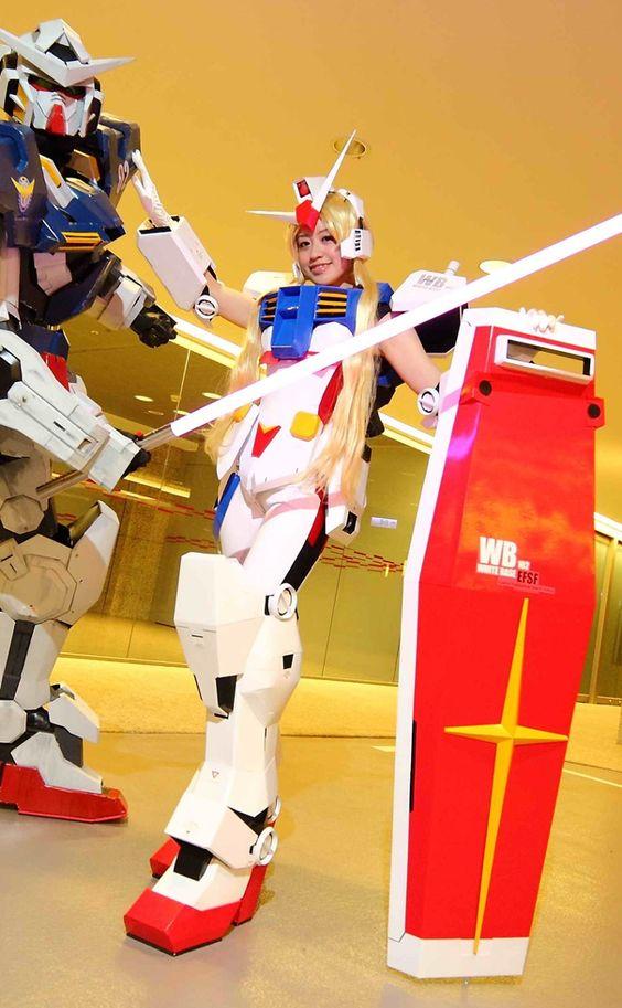 GUNDAM GUY: Gundam Cosplay: MS Girl RX-78-2 Gundam