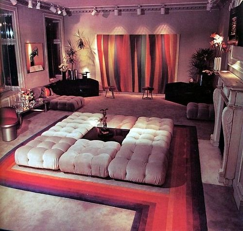 16 Chic 1970s Interiors You Would Want To Live In The Floor Ottomans And Custom Rugs