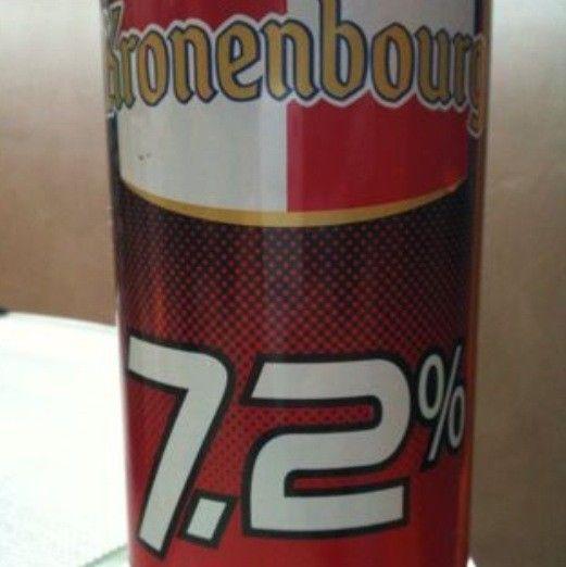 Cerveja Kronenbourg 7.2 Blonde, estilo Amber Lager, produzida por Brasseries Kronenbourg, França. 7.2% ABV de álcool.