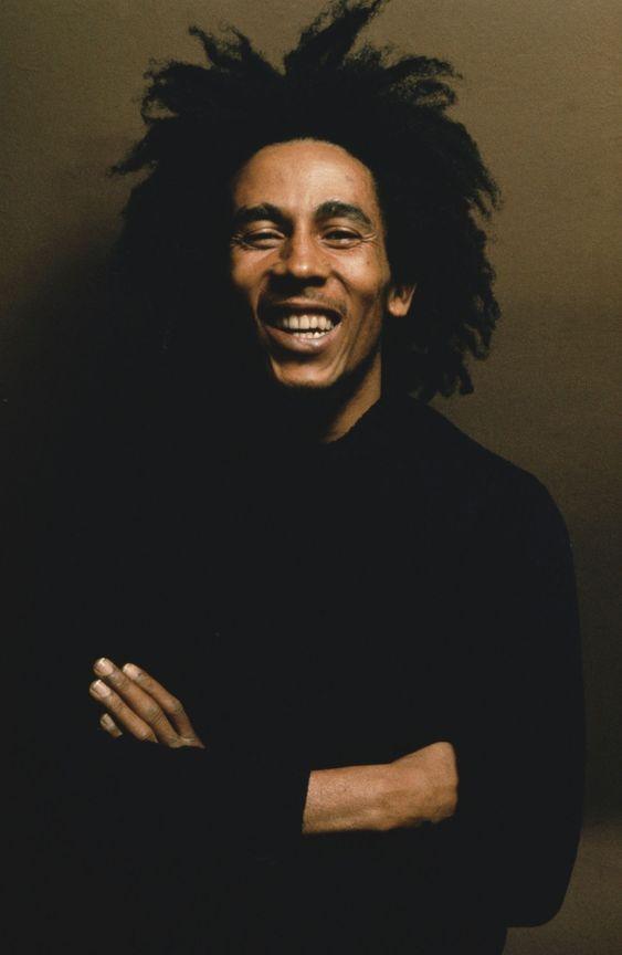 Si pudiera conocer a alguien, sería Bob Marley. Creo que era una persona muy sabia y veía las cosas con simpleza.