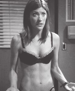 """Jennifer Carpenter her body is amazing, not just because she's """"thin"""". Look at those freaking ABS"""
