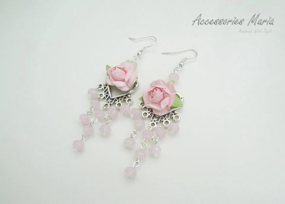 Cercei cu floricele (20 LEI la AccessoriesMaria.breslo.ro)  #earrings #flowers #roses #handmade #AccessoriesMaria
