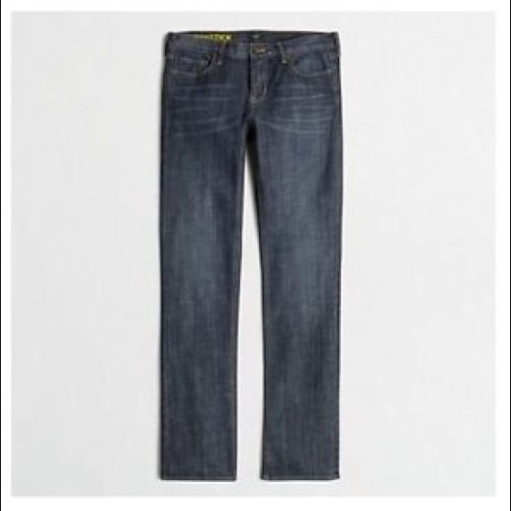 """Factory Straight and Narrow Jean - Size 29R Cotton with a hint of stretch. Sits on hips. Straight through hip and thigh, with a straight, narrow leg. Regular: 33"""" inseam.                                                        Indigo wash.                                              Traditional 5-pocket styling. Machine wash. J. Crew Jeans Straight Leg"""