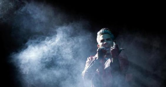 Adam Lambert peels out of the mist.  Photo: Axel Heimken