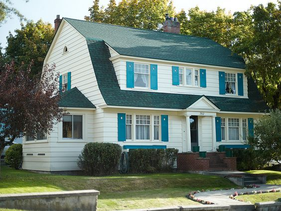 Gambrel dutch colonial roofed porch nice pinterest for Dutch colonial garage plans
