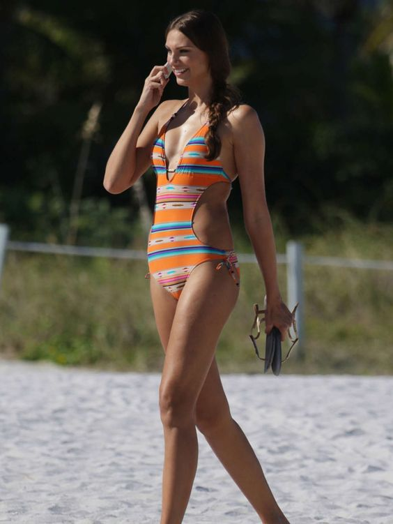 Fernanda Uesler in Swimsuit on Miami Beach #bollywood #tollywood #kollywood #sexy #hot #actress #tollywood #pollywood