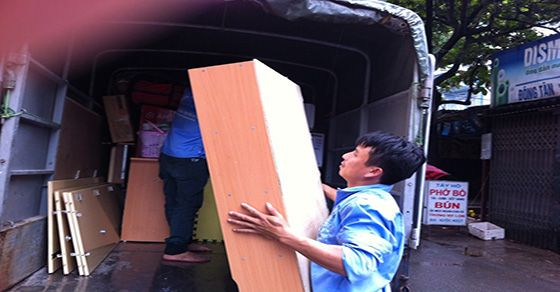 Khắc phục khó khăn khi chuyển nhà vào mùa mưa bão