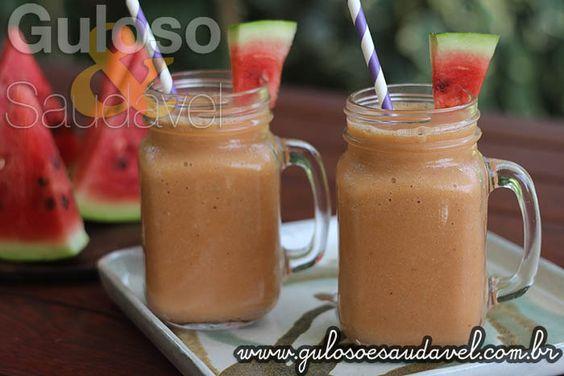 #BomDia! Procura algo para se refrescar nesse calor?  Faça um delicioso Suco de Melancia Cremoso, é refrescante, nutritivo e levinho.  #Receita aqui: http://www.gulosoesaudavel.com.br/2016/02/29/suco-melancia-cremoso/