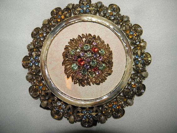 LOVELY ROUND JEWELED ENAMEL FRAME WITH EQUALLY LOVELY ROUND JEWELED  PIN
