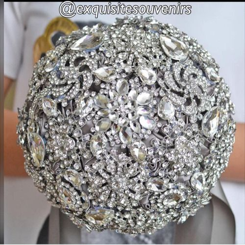 Brooch bouquet anyone? By @exquisitesouvenirs #NigerianWedding