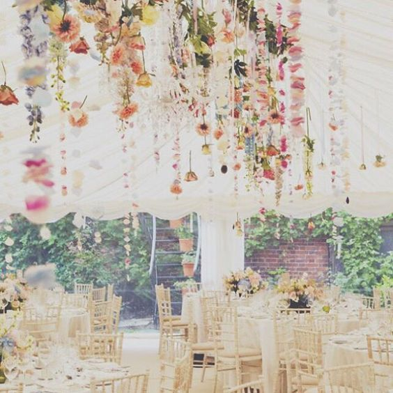 Preparando la ambientación en colores pasteles que son un must para la temporada. #decotips #primaveraverano #weddingday
