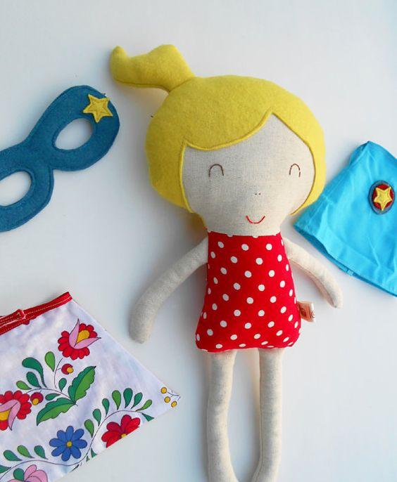 Super-héros poupées poupées poupées de tissu par LaLobaStudio