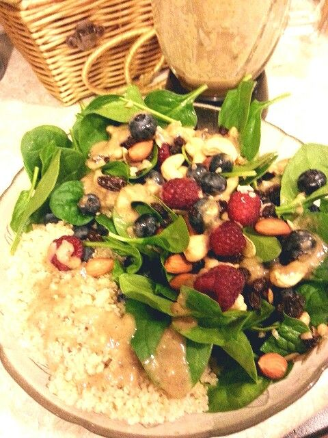 Berry/nut salad with homemade vinagrette