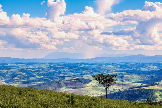 Sea of Mountains (O Mar Mineiro) - Próximo à Cabeça de Boi, Minas Gerais - Brasil.