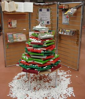 Small Library Christmas tree. Love it. www.ArtMuseums.com