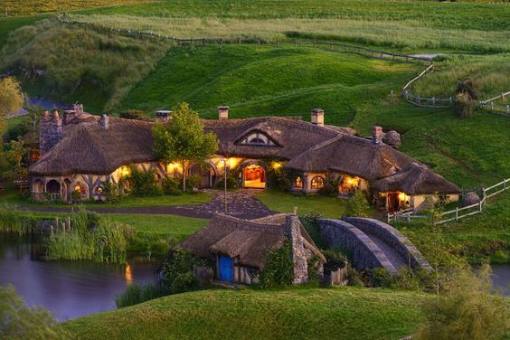 Hobbiton is only 60 minutes drive from Rotorua. Photo by stefankruijt, flickr.jpg