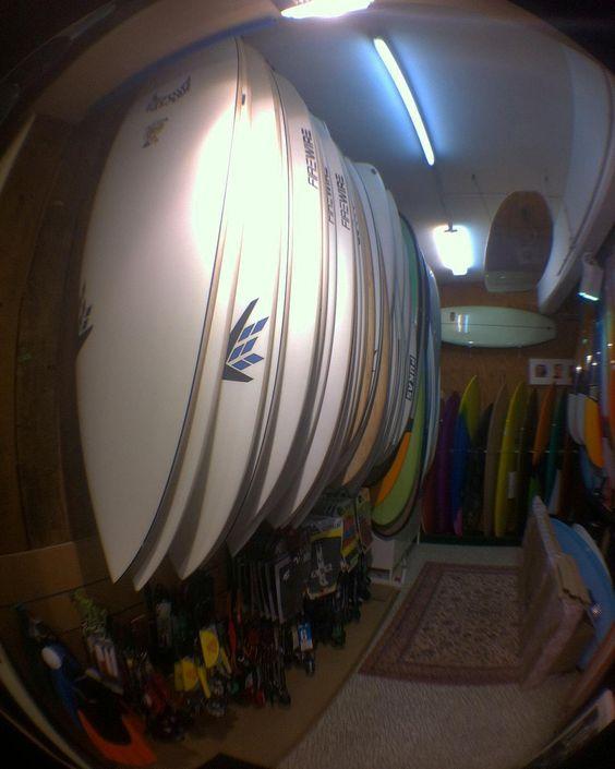 Un grand choix de surfs aussi .. #surf #surfboard #water #summer #winter #shortboard #fins #truster #fish #minimalibu #malibu #hawaiisurf