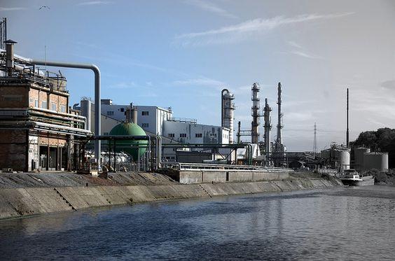 Les usines chimiques Solvay | Flickr: partage de photos!