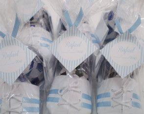 chuteira de origami c/listra azul