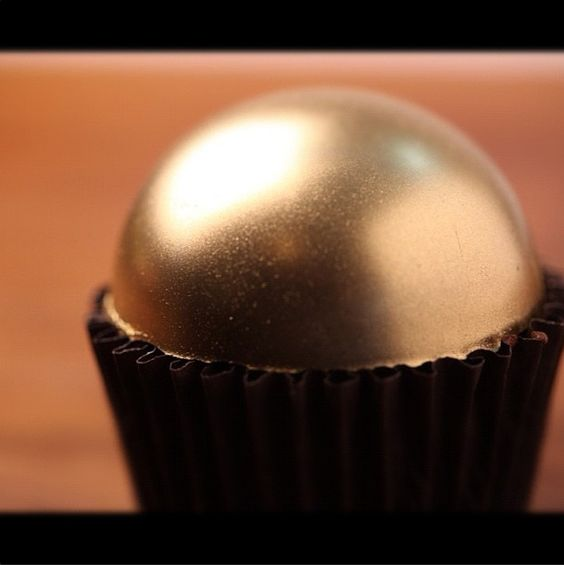 Cupcake de chocolate com avelã.