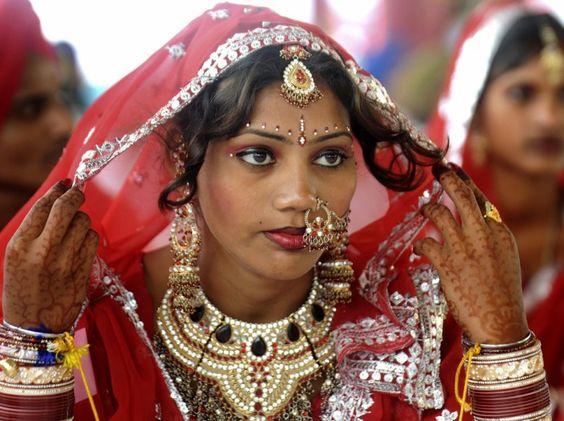 آداب و رسوم عجیب دنیا ، پر کردن دندان هندوها