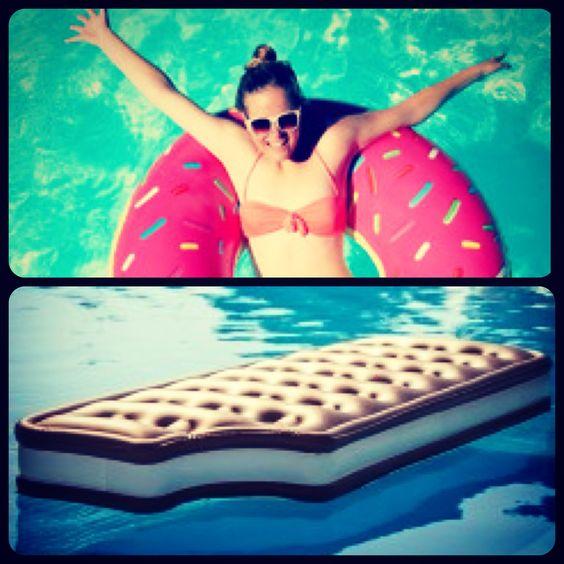 Badespaß mit Donuts und Milchschnitten!! Wo ihr es kaufen könnt erfährt ihr auf mainhatten- Fashionheads.jimdo.com