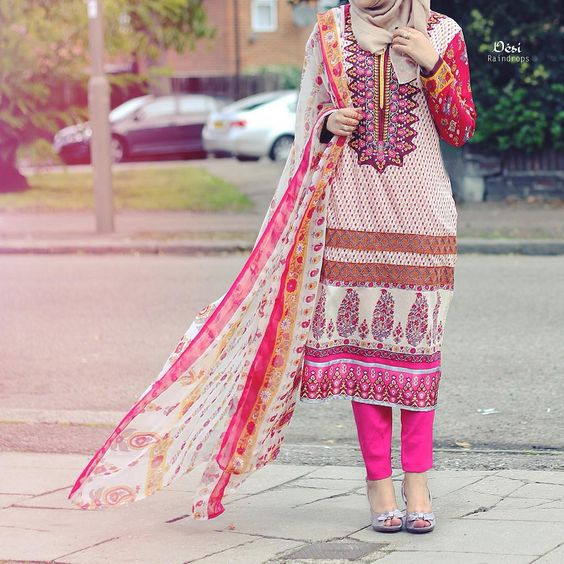 Hijab style for summer lawn