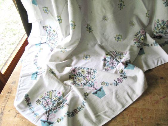 Vintage Kitchen Tablecloth, Vintage Linens, Kitchen Linens, Cotton Tablecloth, Floral Tablecloth, Dining Table Cloth, Vintage Tablecloths by RushCreekVintage on Etsy