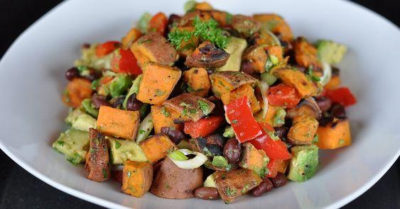 Gegrillter Süßkartoffelsalat mit Avocado | BBQPit.de