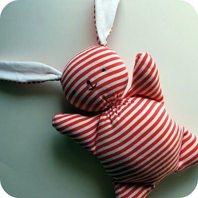 free pattern and tutorial - Recycled Mooshy Belly Bunny.  Have to make him!