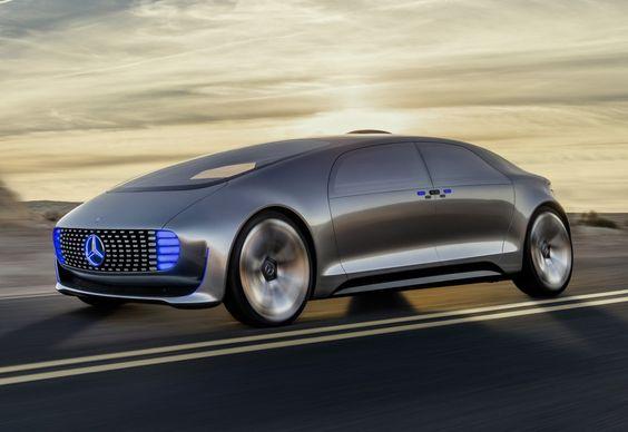 Durante o CES 2015, a Mercedes-Benz apresentou o conceito F015 Luxury in Motion, que mostra o máximo da tecnologia de propulsão e direção autônoma da marca.