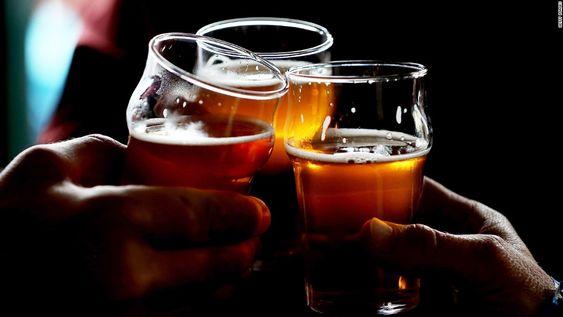 Budweiser ngon hơn khi thưởng thức trong ly