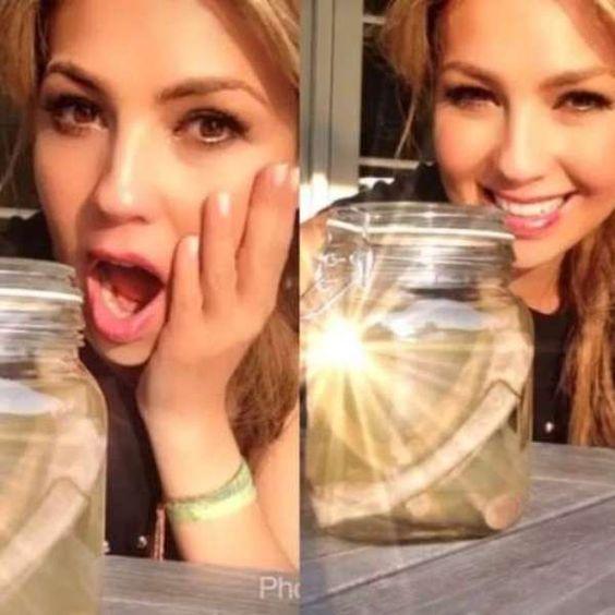 """#Thalía muestra las """"costillas"""" que se sacó en las redes"""