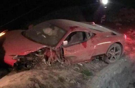Bintang Cile Arturo Vidal Alami Kecelakaan Mobil Jelang Hadapi Bolivia - http://www.rancahpost.co.id/20150634830/bintang-cile-arturo-vidal-alami-kecelakaan-mobil-jelang-hadapi-bolivia/