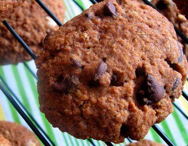 ¿Le dirías que no a estas galletas de chocolate? Deliciosas y adictivas galletas de quinoa y chocolate ... Aprende cómo hacerlas.
