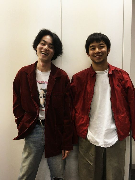 菅田将暉と笑顔でツーショットの太賀のかっこいい画像