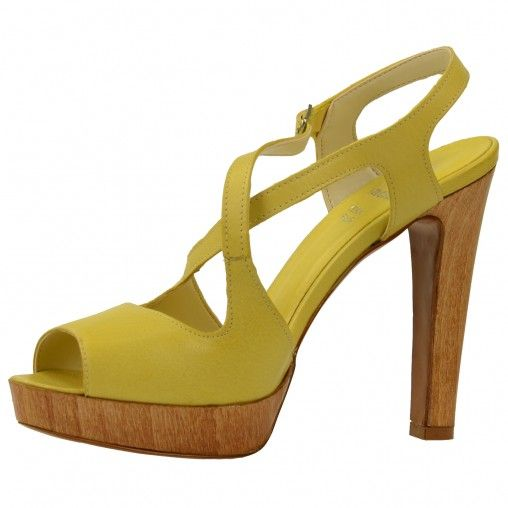 these are sooo pretty!! If i could only wear heels this high!