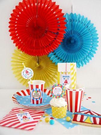 PARTY BOX - Kit de Décorations de Fête, Sweet Table et Anniversaire en Boîte Thème Cirque