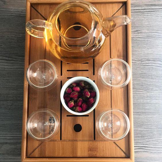 Follow @pepinoagresivo in Instagram.  Té de rosas porque #sábado.   #30daychallenge #day6 #huntgrammexico #vscocam #tea #tealovers #teaculture #tea #teatime #instatea #tealife #ilovetea #teaaddict #tealover #tealovers #teagram #healthy #drink #hot #mug #teaoftheday #teacup #teastagram #teaholic #mytinyatlas #creative #mextagram #FolkGood #liveauthentic #livefolk