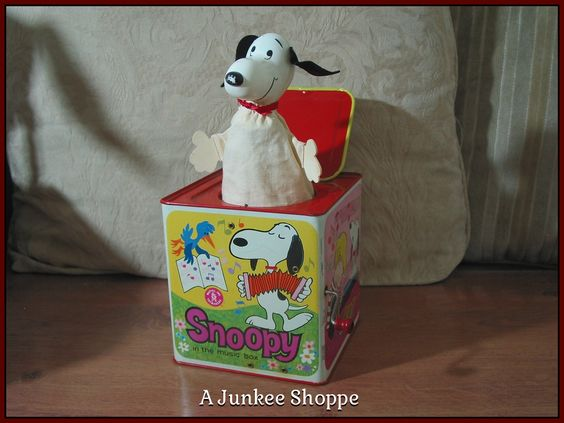 PEANUTS 1966 Snoopy In The Music Box Type Jack In The Box Kids Amusement Toy Junk 975  http://ajunkeeshoppe.blogspot.com/
