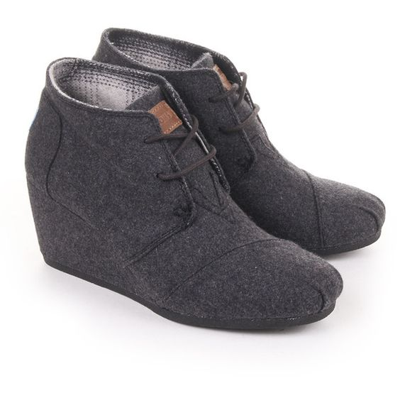 TOMS Grey Womens Wool Desert Wedge (€53) ❤ liked on Polyvore featuring shoes, boots, ankle booties, toms, heels, wedges, grey, gray boots, grey ankle booties and gray wedge booties