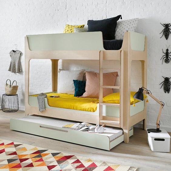 Un lit superposé à l'allure contemporaine et au design bien pensé. Conçu avec ingéniosité ce lit n'affiche aucune vis apparentes.