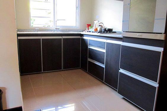Amoblamiento de cocina en melamina de roble moro touch con for Amoblamientos de lavaderos