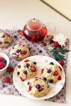 Scones aux myrtilles et aux fraises (Vegan)
