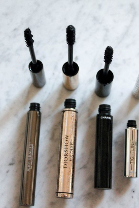 Looking for a reliable organic mascara? Check out these six mascaras, including an organic mascara that works just as effectively as regular mascaras!