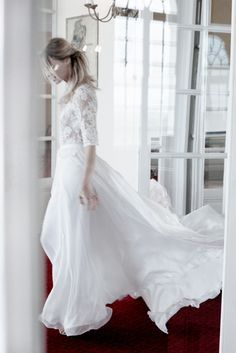 La mariee aux pieds nus - Margaux Tardits - Photo : Alexandra Utzmann - Robe de mariee - Collection 2015 -  Modele N oublie jamais - A partir de 2100€