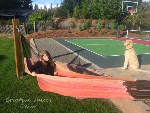 Easy to make your own hammock stand diy with wooden for Diy sport court