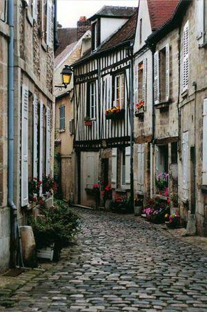 Senlis - wonderful small town outside Paris