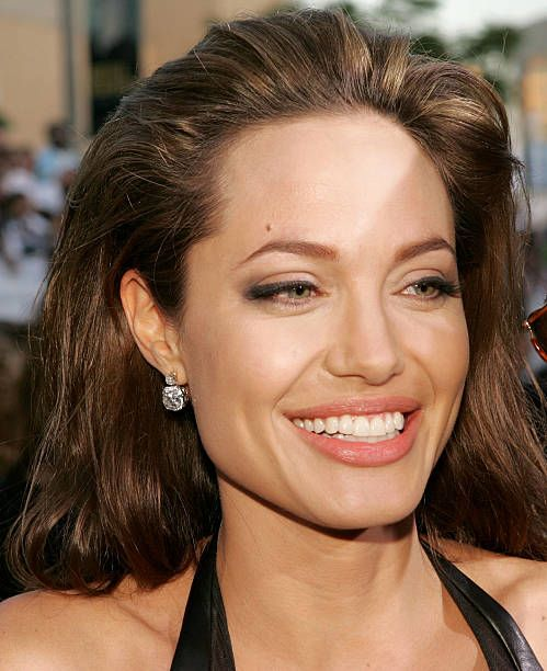 Angelina Jolie Mr And Mrs Smith Google Search Angelina Jolie Hairstyle Hair Makeup