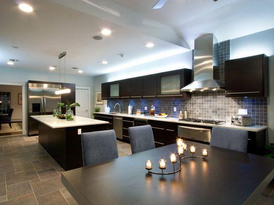 Cocinas modernas con isla grandes buscar con google for Cocinas grandes modernas